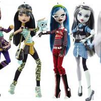 Что подарить маленькой принцессе? Купите желанную куклу Monster High.