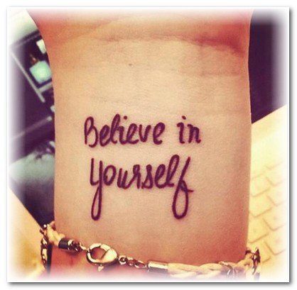 Татуировки надписи на руках фото