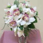 Свадебный букет из загадочной орхидей.