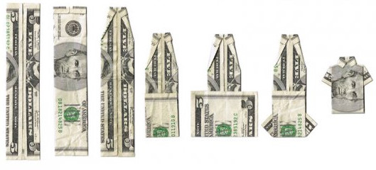Подарки из денег: Денежная рубашка, брюки и платье.